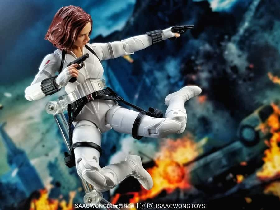 Marvel Legends Black Widow in action, attached to the stand.